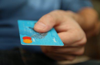 Τράπεζες: Ποιες συναλλαγές δεν θα πραγματοποιούνται από σήμερα στα καταστήματα