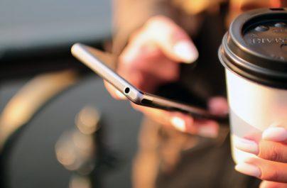 Ξεπέρασαν τα 100 εκατ. SMS στο 13033