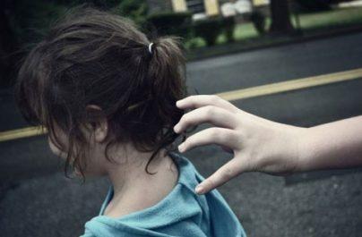 ΟΔΗΓΙΕΣ ΑΣΤΥΝΟΜΙΑΣ: Πώς να προφυλάξετε τα παιδιά σας από την απαγωγή