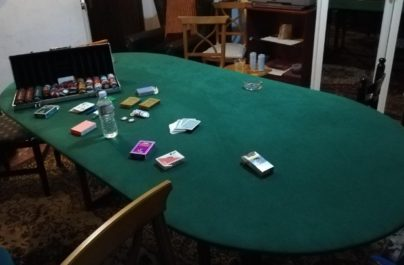 Γιαννιτσά:Έπαιζαν πόκα σε διαμέρισμα εν μέσω πανδημίας. Έντεκα συλλήψεις