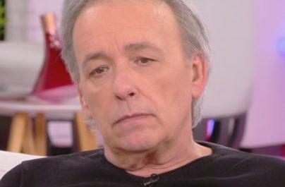 Εσπευσμένα στο νοσοκομείο ο Ανδρέας Μικρούτσικος – Νοσηλεύεται με υψηλό πυρετό